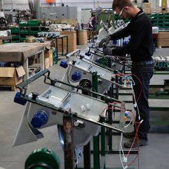 Chez un de nos fabricants - JP DUBOUX Balances - Machines - Gland