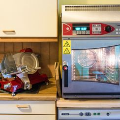 Machines - JP DUBOUX Balances - Machines - Gland